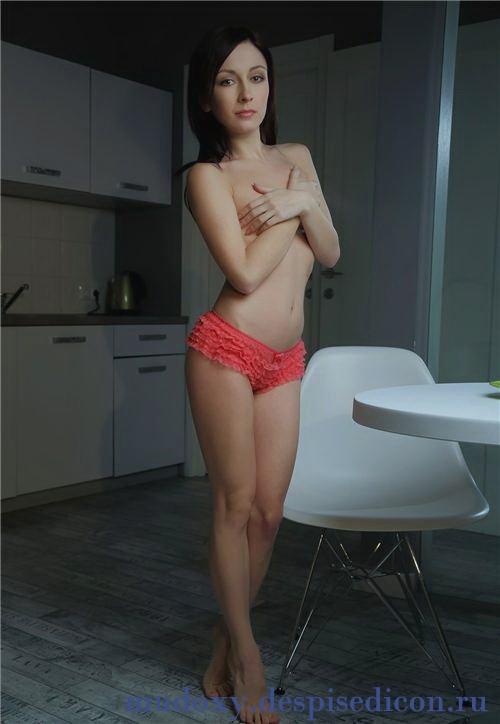 Алмира 67: секс в одежде